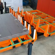 Retourneur hydraulique : réglage automatique suivant les dimensions de la charge
